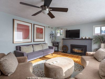 🍃Giant Fenced Backyard🍃Huge Covered Patio🍃King Bed🍃Pet & Family Friendly🍃