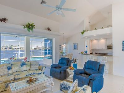 Photo for Paradise 3 bedroom/2 bath, Pool with Jacuzzi, Gulf Access Lake view