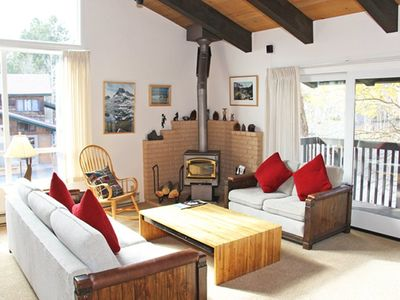 Photo for 3 Bedrooms & 2 Full Bathrooms, Sleeps 8, Two Levels to enjoy for your Mammoth Lakes Vacation
