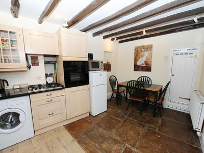 Photo for Cosy & central! 1 minute walk to pubs, shops & Castle, 5 mins walk to waterfall