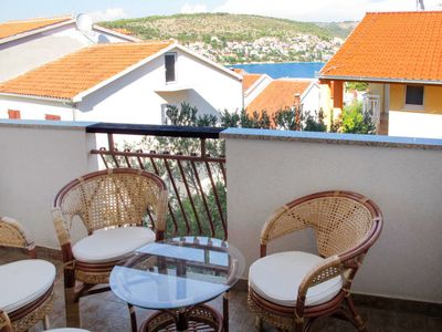 Photo for Apartment Jakas (TGR134) in Trogir - 5 persons, 2 bedrooms