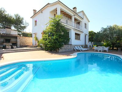 Photo for 6 bedroom Villa, sleeps 10 in Canyelles with Pool and WiFi