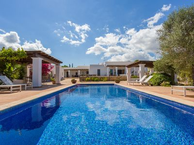 Photo for Villa Paraiso, authentic finca of ibiza, just restored, infinity pool.