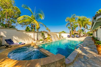 Welcome to this beautiful, private retreat La Jolla Palms