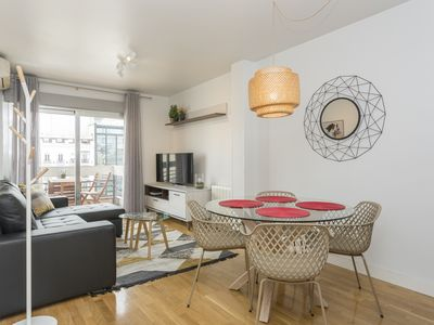 Photo for Comfortable 2BR/1BA flat with balcony in Chueca