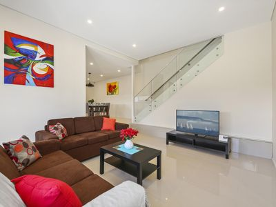 Photo for PRINCES VILLA 67A - SYDNEY NEW 4BDRM