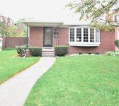 A safe, nicely renovated home close to everything we needed in Grosse Pointe