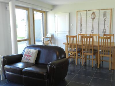Photo for Cosy apartment in villa for 6 guests with pool, WIFI, TV, pets allowed and parking