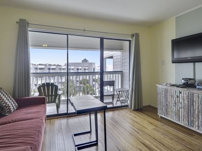 "Photo for Great location, BEACH VIEW at ""Casa del Mar 375"" FREE ACTIVITIES including a ticket for Schlitterbahn Waterpark per day. Concierge services available."