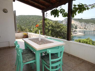 Photo for Two bedroom apartment near beach Cove Pokrivenik bay - Pokrivenik (Hvar)