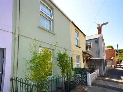 Photo for ADA'S COTTAGE, family friendly in Weymouth, Ref 993908
