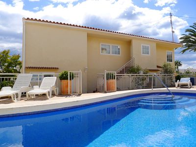 Photo for This 3-bedroom villa for up to 4 guests is located in Calpe and has a private swimming pool, air-con