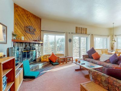 Photo for Mountaintop condo w/ private balcony & shared pools/hot tubs/saunas/game room!
