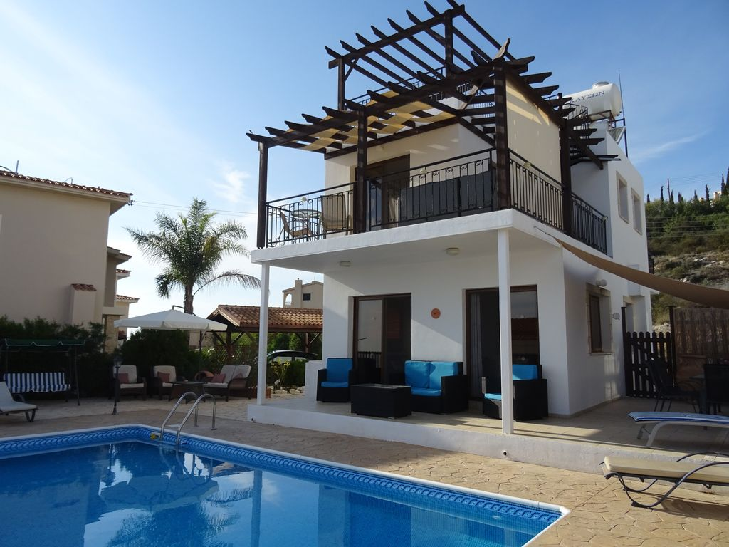 Stunning Detached Villa In Tala Paphos With Private Pool  U0026 Wi-fi