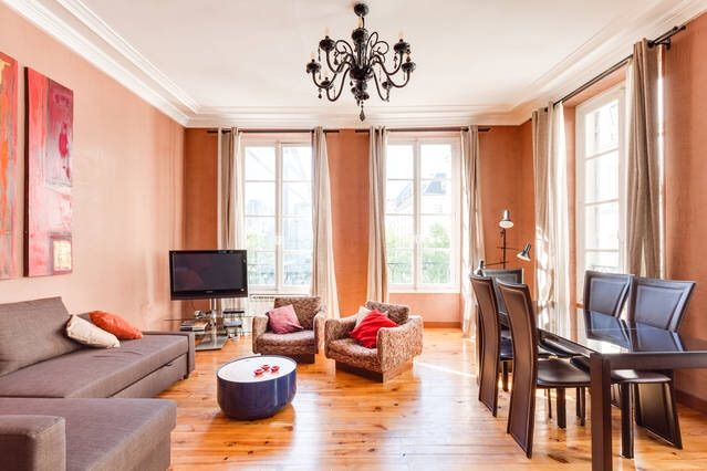 appartement 75m sur la place saint honor op ra louvre. Black Bedroom Furniture Sets. Home Design Ideas