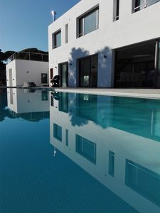 Photo for Modern villa 12 people with swimming pool and 250m from the beach