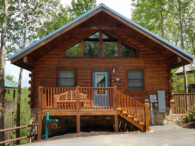 10% off Feb dates Huge 1MBR/2BA, sleeps 8, Pet Friendly, Pool, Mt view