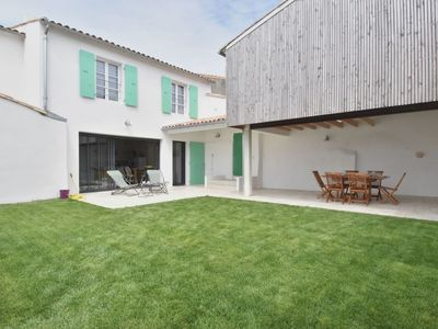 Photo for Beautiful renovated house, up to 6 people, in the heart of Bois-Plage