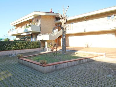 Photo for Flat for 6 People, 550m from Sea, Garden, Beach