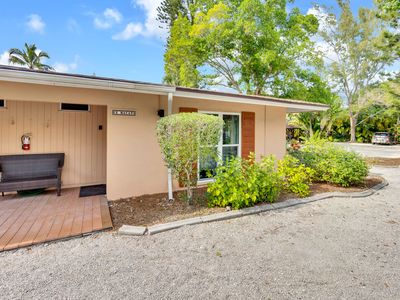 Photo for The Macaw Cottage- walking distance to the historic Lighthouse, shopping and great restaurants!