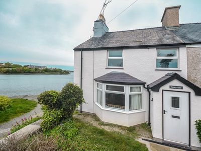 Seaview -  a coastal property that sleeps 6 guests  in 2 bedrooms