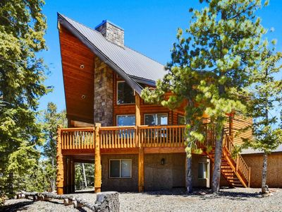 Photo for Beautiful cabin with spectacular views. Enjoy BBQing on the large oversized deck while relaxing in t