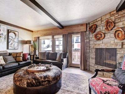 Photo for Sleeps 6! Stunning Residence + Access to Pool, 2 Hot Tubs & More!