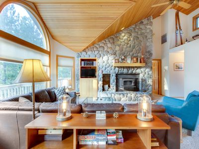 Photo for Comfortable house w/ stone fireplace, private hot tub, and SHARC access