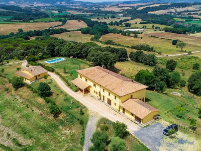 Photo for Villa Bandecchi - Beautiful villa with pool near Volterra