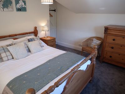 Duck egg room: Kingsize bed with double aspect views. Room for cot or Z bed.