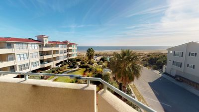 Newly Renovated 3 Bdrm Condo W/ Spectacular Ocean View