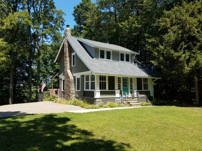 Serene 5 acre wooded setting overlooking Lake Erie!