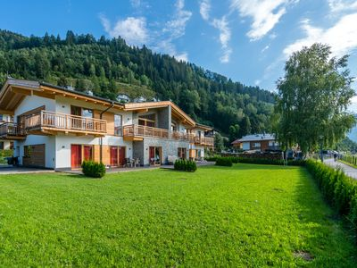 Photo for Luxurious apartment in the sunny Zell am See, close to the lift