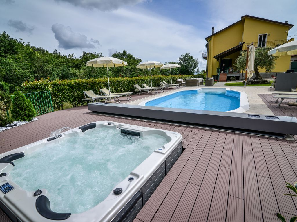 Luxury Villa Private Pool+ Spa: Private Pool & Hot Tub,Garden, Out ...