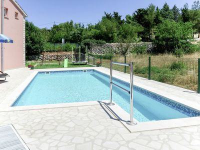 Photo for Beautiful apartment for 8 people with private pool, WIFI, A/C, TV, balcony and pets allowed