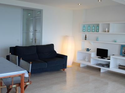 Photo for Charming apartment on the seafront Sinera Beach Apartment