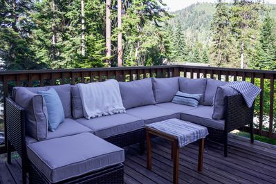 The furnished porch is the perfect place to relax, morning or evening!