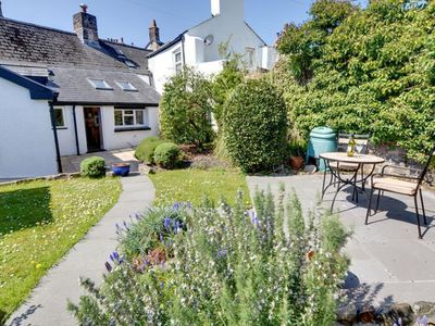 Photo for Cosy holiday home with an enclosed garden and terrace in the heart of Torrington