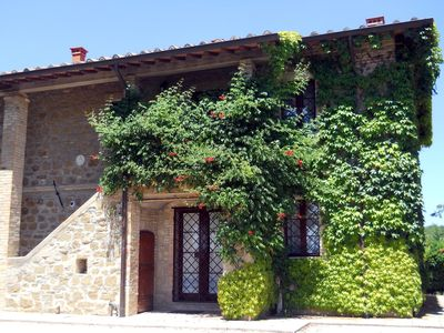 Photo for Charming farmhouse with pool close to Assisi and Perugia in a wine estate