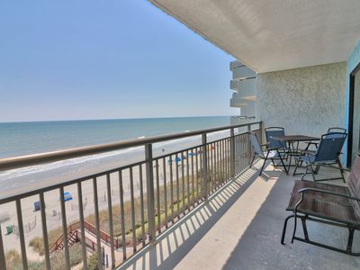 Incredible oceanfront condo with beautiful views of the ocean with pool and WIFI