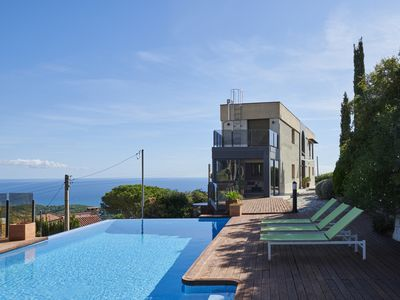Photo for Fantastic Hilltop House in a quiet environment with panoramic views to the sea