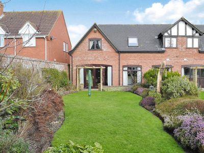 Photo for 3 bedroom property in Happisburgh.