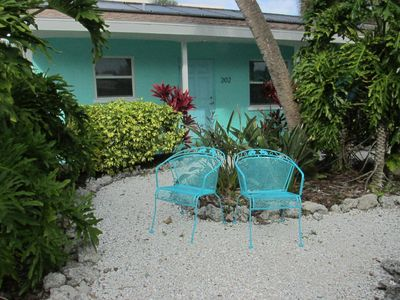 TWO BEDROOM UNIT WITH POOL***GREAT LOCATION**STEPS TO THE BEACH!