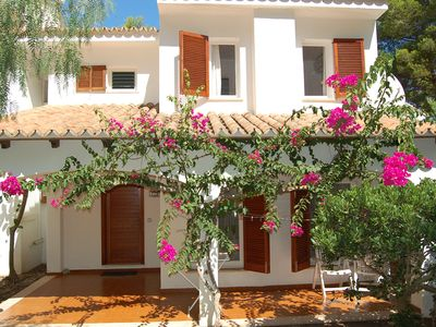 Photo for Charming Villa with Pool - 500 mtrs to beach with Air-Con