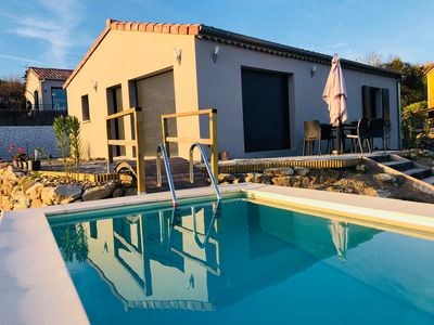 Photo for Quiet modern villa, fenced plot with pool and petanque