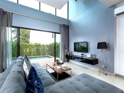 Photo for Hideaway two bedrooms pool villa in Nai Harn