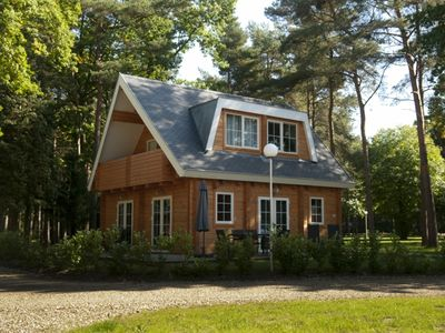 Photo for 4-person bungalow in the holiday park Landal Mooi Zutendaal - in the woods/woodland setting