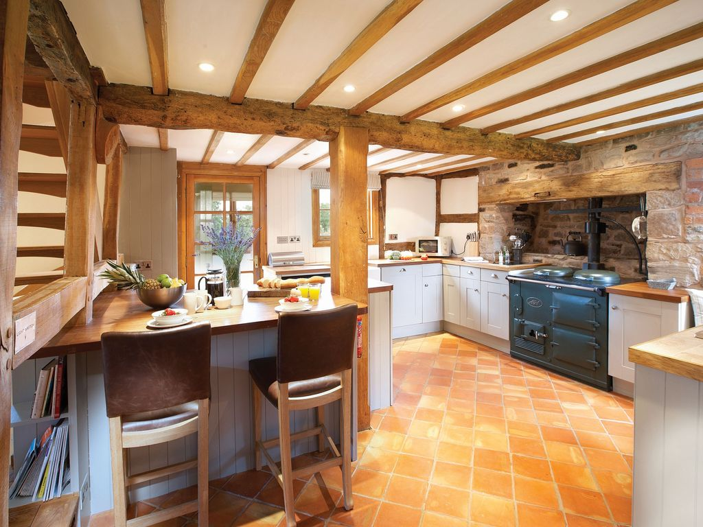 Hereford Cottage Al Ground Floor Open Plan Fully Ed Kitchen With Dining Area