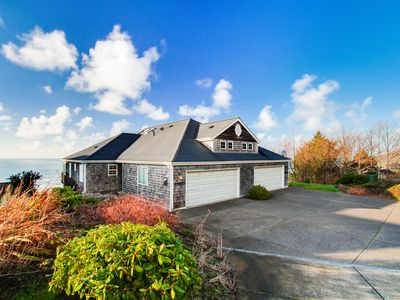 Photo for Modern house w/ stunning ocean views, deluxe family room & plenty of space