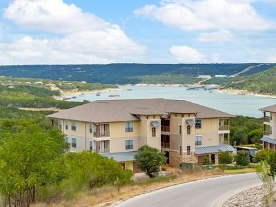 Photo for Beautiful Redecorated 2 BR/2BA Villa at Hollows Resort on Lake Travis